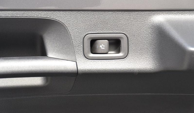 Mercedes-Benz CLA 220 d 4MATIC Shooting Brake voll